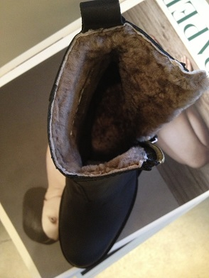 acne pistol short fur 8.JPG